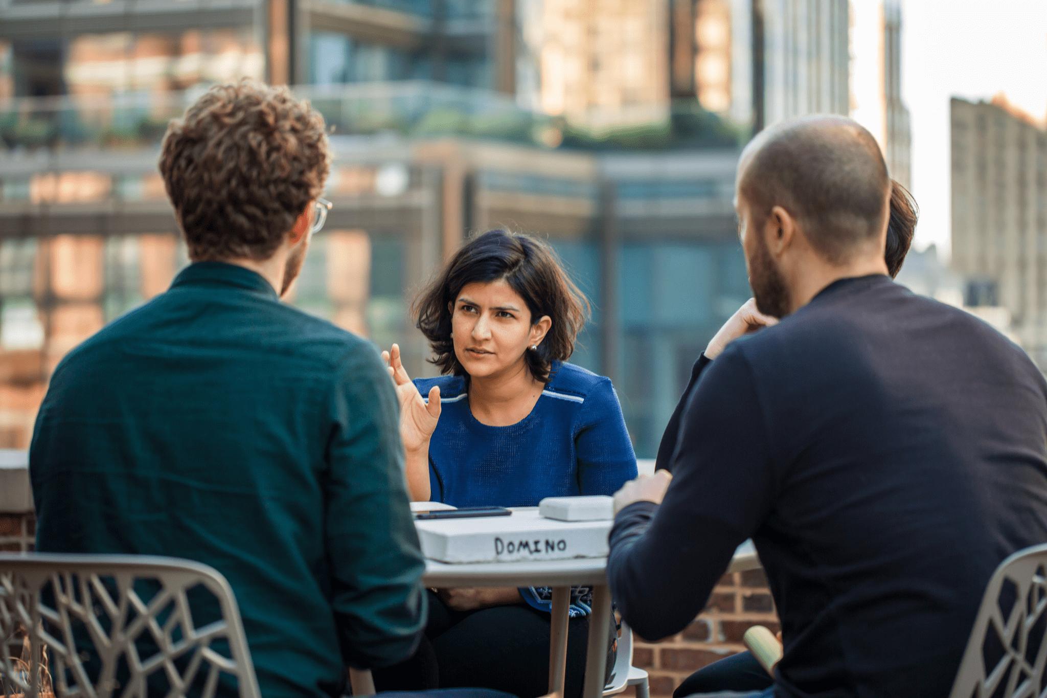 Amélioration des communications entre les équipes de terrain et de bureau
